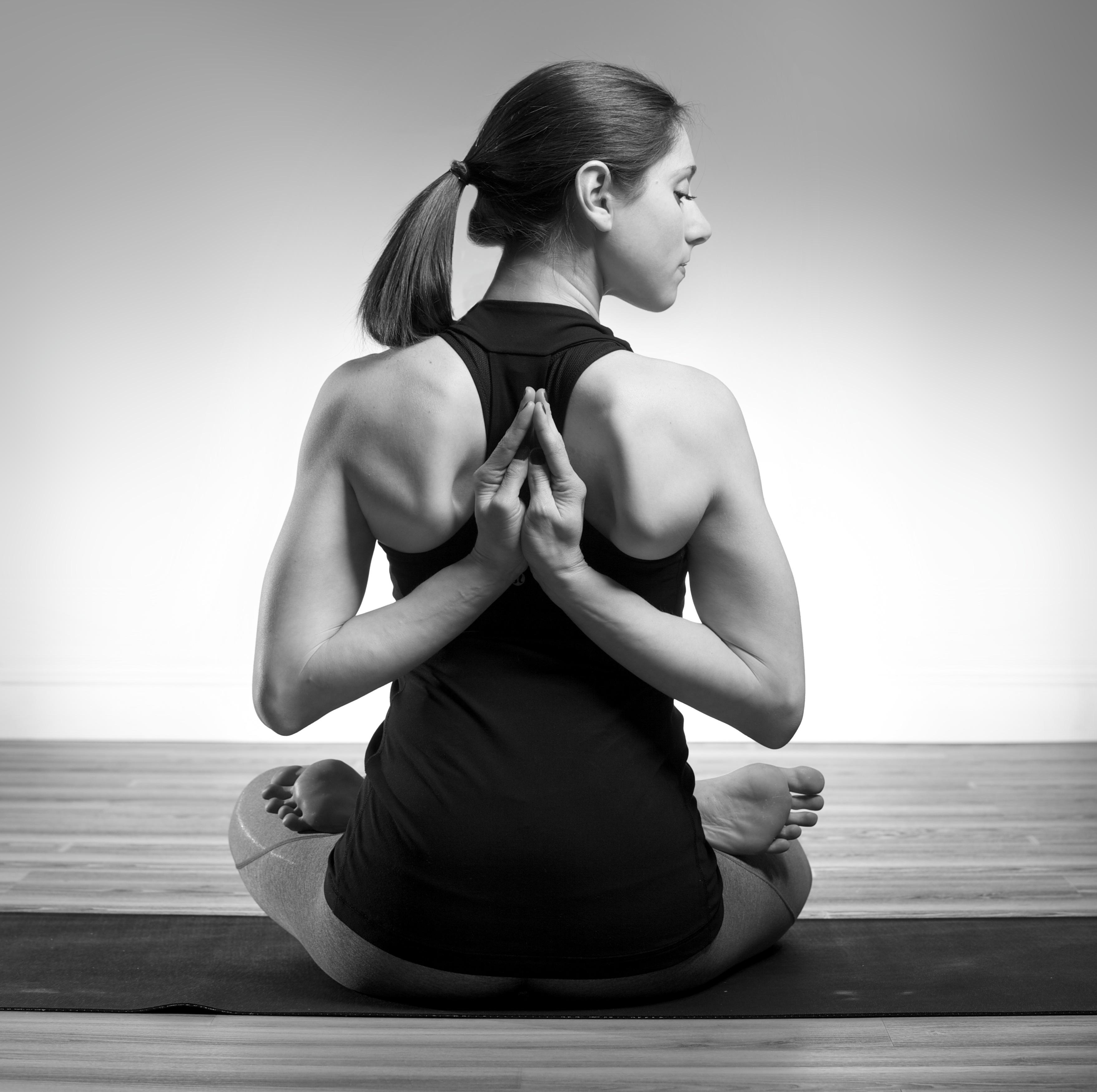 nicole_newman_lotus_padmasana_reverse_prayer_paschima_ namaskarasana_yoga_pose copy